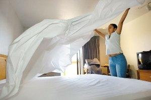 pride_hotel_bed1_ls