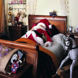 Santa-in-bed_tn